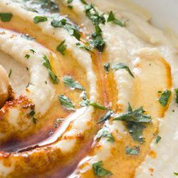 ¿Cómo hacer humus de garbanzo?