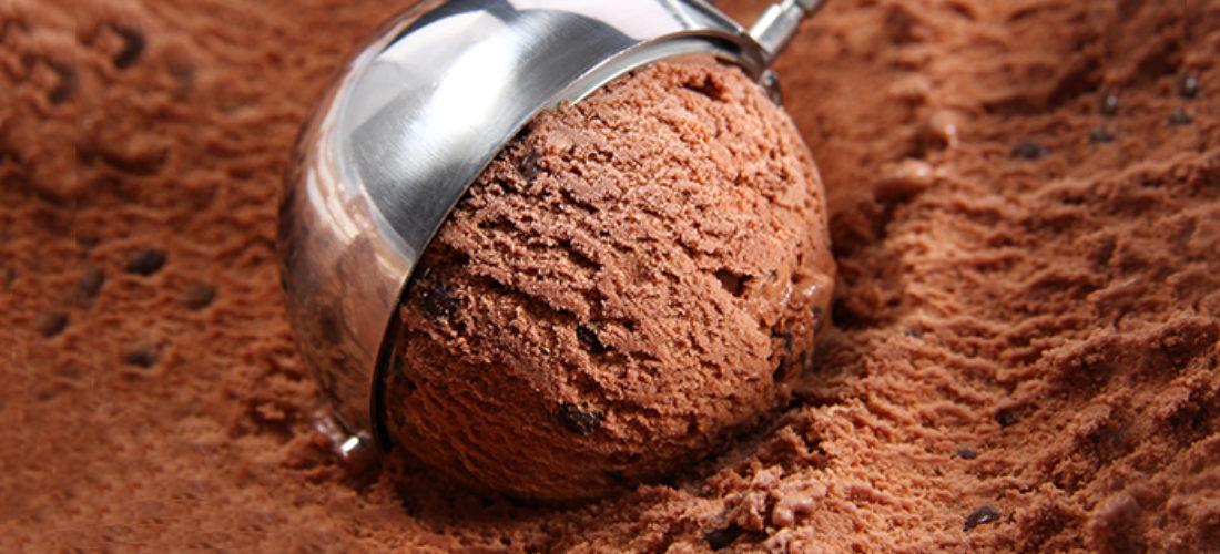 Helado casero de chocolate